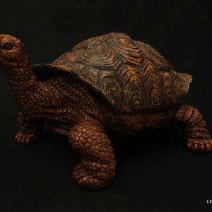 tortue en bois sculpée